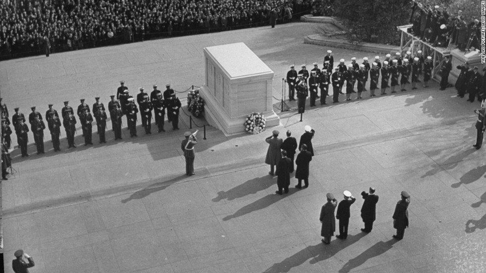 President Franklin D. Roosevelt visiting the tomb of an unknown soldier on Armistice Day in the Arlington Cemetery in 1940.