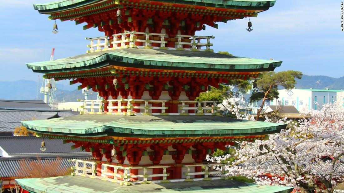 Kosanji Temple's five-tiered pagoda is also located on Ikuchi Island.