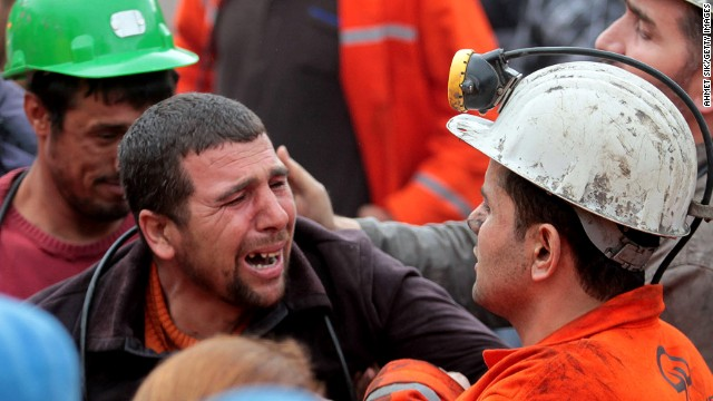 Mass funeral held for Turkish miners