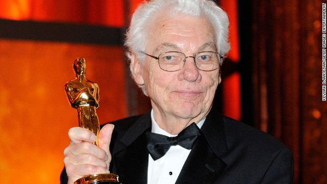 Gordon Willis holds an honorary Oscar received at the 2009 Governors Ball.