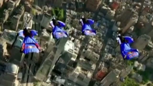 Daredevils fly over Manhattan Provenzano Chmelecki  Newday _00020020.jpg