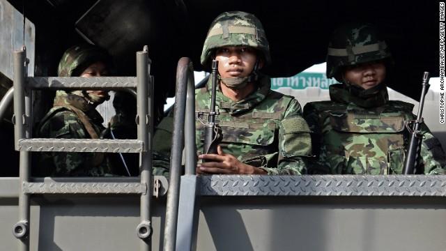 Thai military organizing political talks