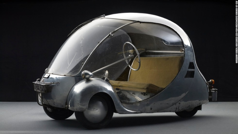 In 1942 Nazi-occupied Paris, French artist, industrial designer, and engineer Paul Arzens created this tiny, electric-powered, Plexiglas, bubble-on-wheels. On a single battery charge, it ran for 60 miles, up to 37 mph.