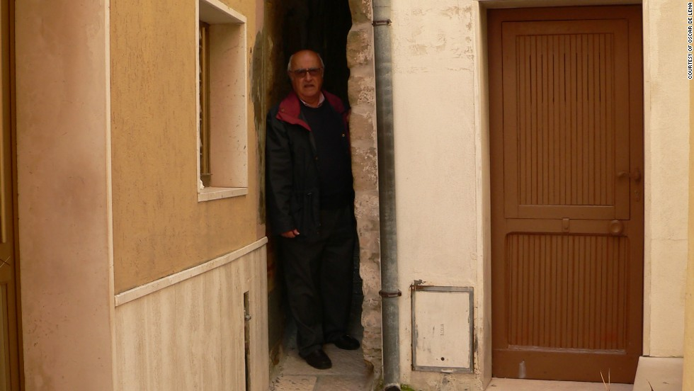 Oscar de Lena says he has known since he was born that Rejiecelle is the smallest alleyway Italy.