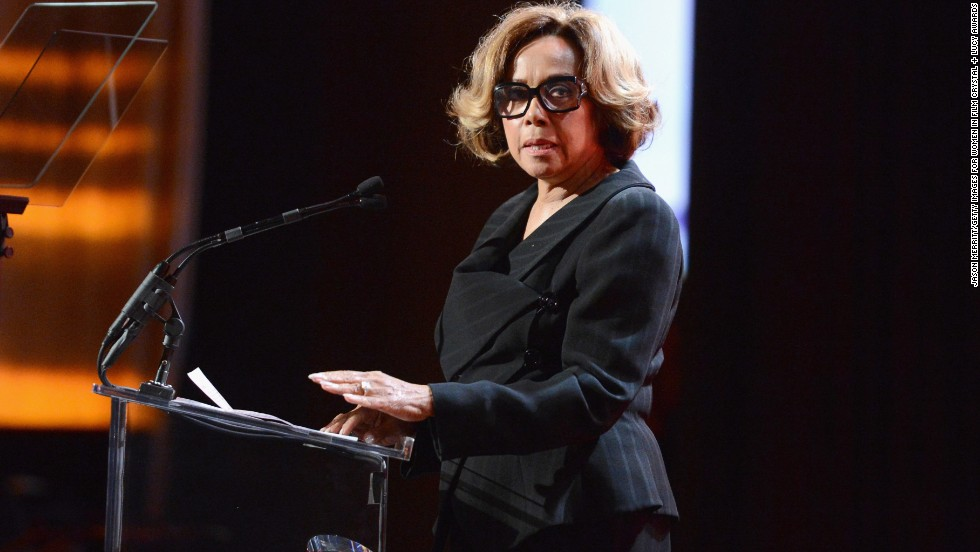 Actress Diahann Carroll remains stunning at 79.