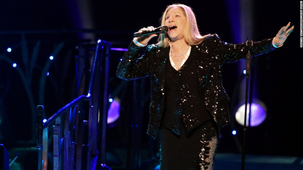 At 72, Barbra Streisand still has the pipes to wow fans at concerts.