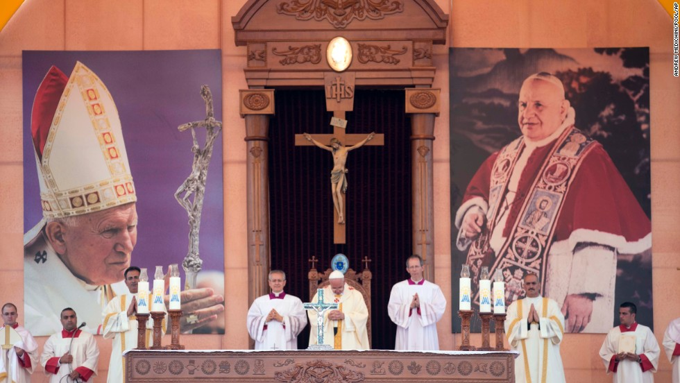 Pope Francis celebrates Mass in Amman's International Stadium on May 24.