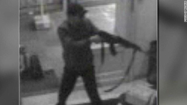 Police manhunt for Jewish Museum killer