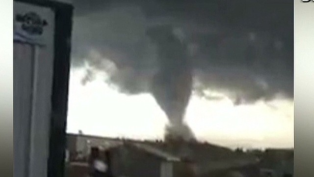 Video shows huge tornado in North Dakota