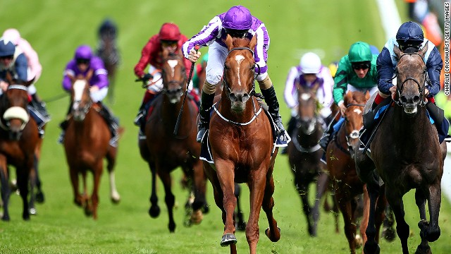 Pre-race favorite Australia (center) on his way to victory in the Epsom Derby