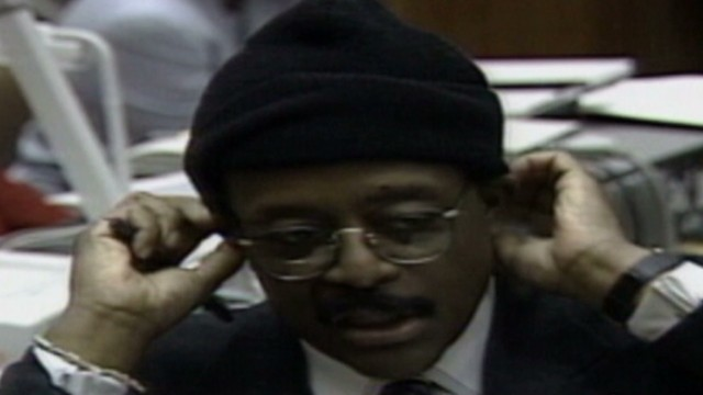 1995: 'It doesn't fit, you must acquit'