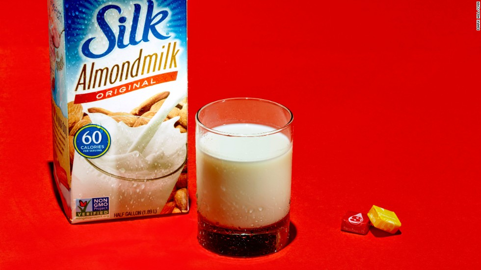 A glass of original almond milk contains 7 grams of sugar. Unsweetened almond milk has 0 grams.