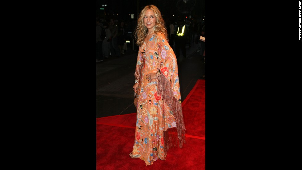 American designer Rachel Zoe wears a caftan in 2008 and has designed some of the garments.