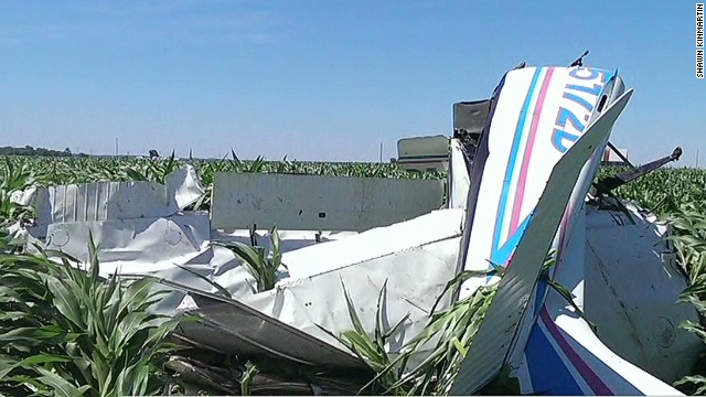 Pilot jumps from own plane before crash