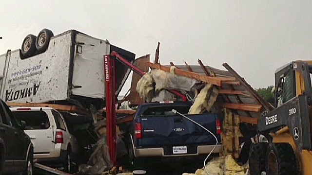 Tornado hits town in South Dakota