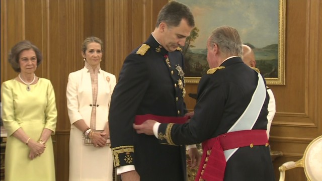 Spain's new King Felipe VI sash ceremony