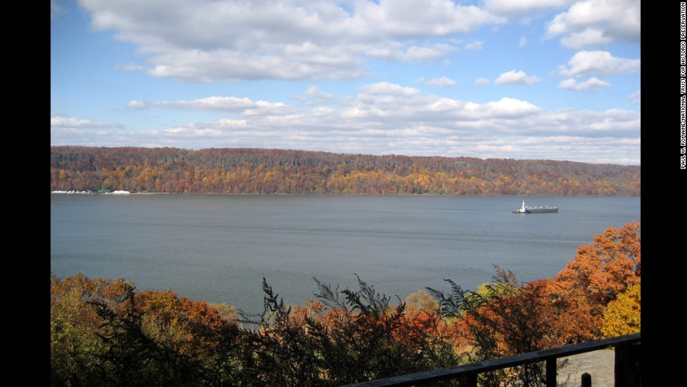 Generations of residents and visitors have enjoyed the scenic cliffs of New Jersey's Palisades.  With the Hudson River running below, the landscape could be forever altered if LG builds a tower office, as planned.