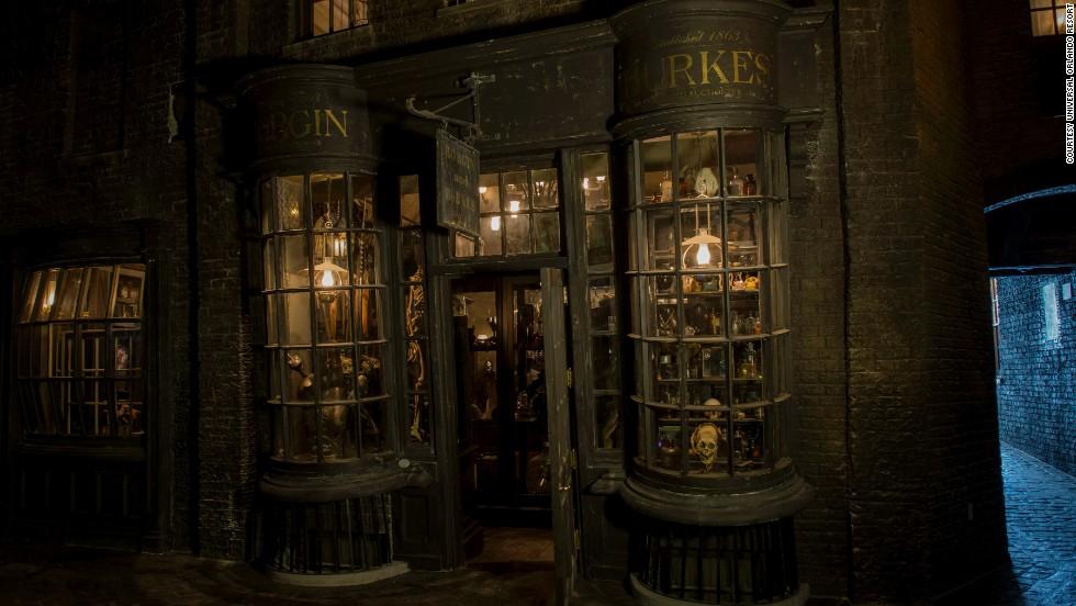 sneak peek harry potter s diagon alley   cnn