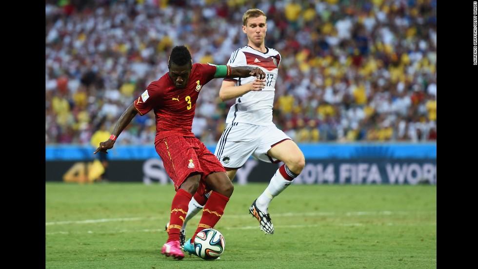 Asamoah Gyan of Ghana puts his team 2-1 head against Germany.