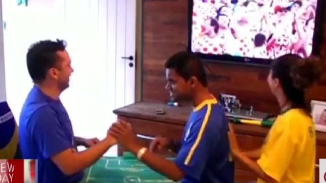 soccer for blind and deaf man good stuff newday _00004329.jpg