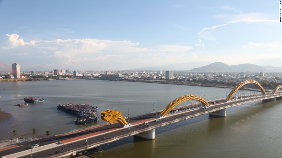 The bridge helps connect the two banks of the Han River, boosting the city's economy.