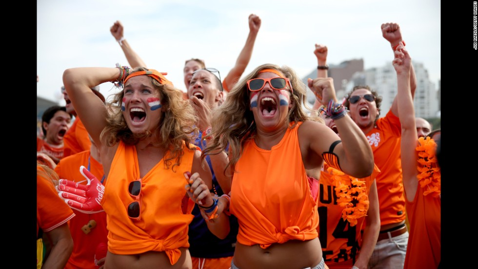 Netherlands soccer fans in Rio de Janeiro react after Memphis Depay scored against Chile on June 23. The Dutch won the game to top their group.