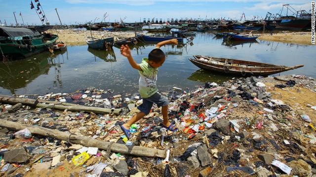 ¿Cuánta basura estamos botando a los océanos?