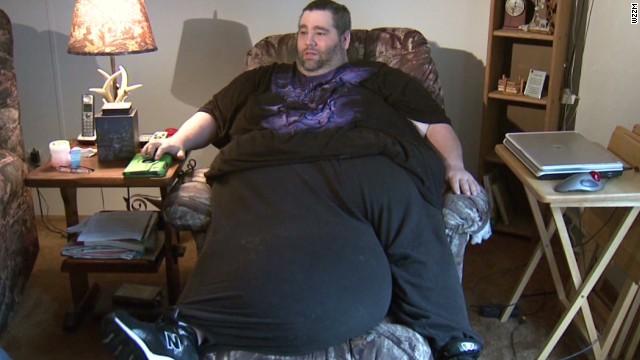 dnt man with 100 pound scrotum_00005122.jpg