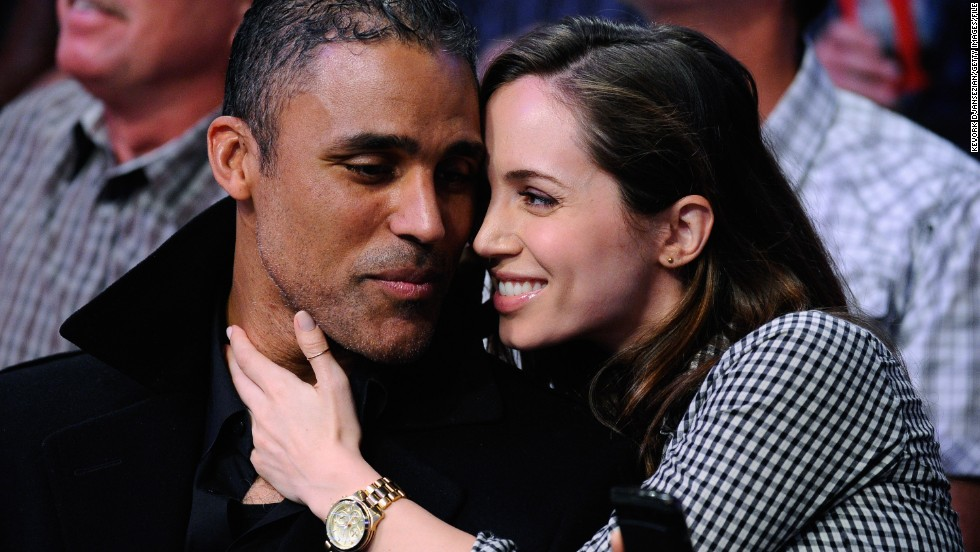 "After five years of romance, Rick Fox and Eliza Dushku parted ways. It seems it was distance that came between the former basketball star and the ""Buffy the Vampire Slayer"" actress; <a href=""http://www.bostonglobe.com/lifestyle/names/2014/06/21/eliza-dushku-separated-from-rick-fox-moves-back-home/A8eGeAv8myP2fq8NgeTWKI/story.html"" target=""_blank"">Dushku told The Boston Globe</a> that ""Rick's an L.A. guy and I'm a Boston girl."" As a result, she has moved back to Beantown and plans to eventually enroll in college."