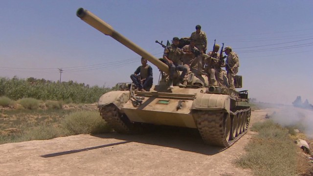Old tanks defend Baghdad against ISIS