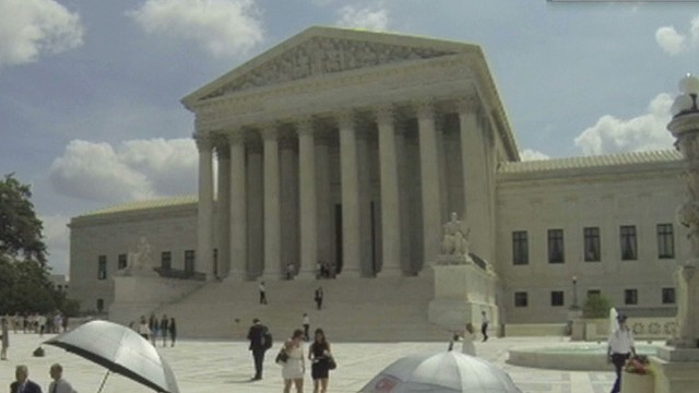 Court strikes down abortion buffer zones