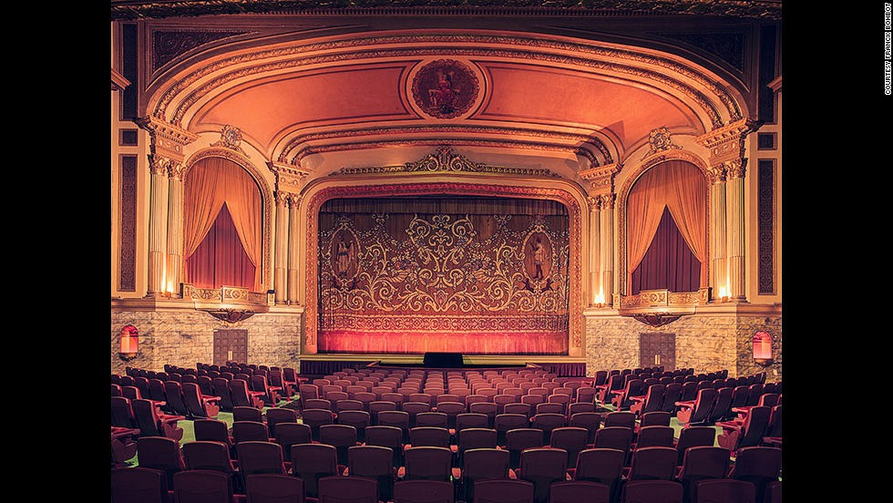 "<em>Grand Lake Theatre, Oakland</em><br /><br />The vast hall of the Grand Lake Theater in the city of Oakland seats 1,600 people, and after being badly damaged in a fire in 1989, it has been fully restored to its past glory. ""The neo-classical style and Egyptian motifs give this cinema something mystical,"" says Bohbot."