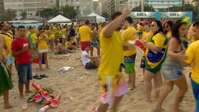lkl.davies.world.cup.brazil.fan_00000000.jpg
