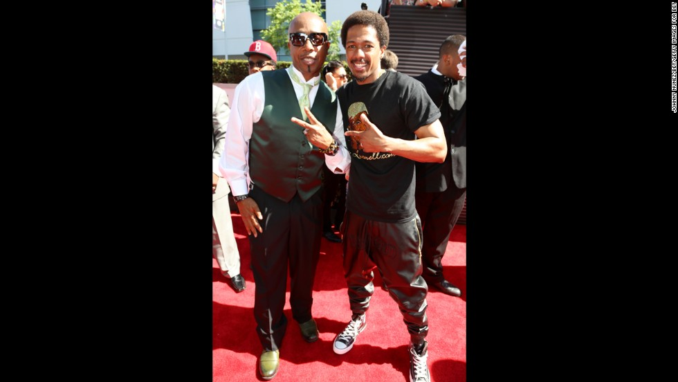 MC Hammer, left, and Nick Cannon