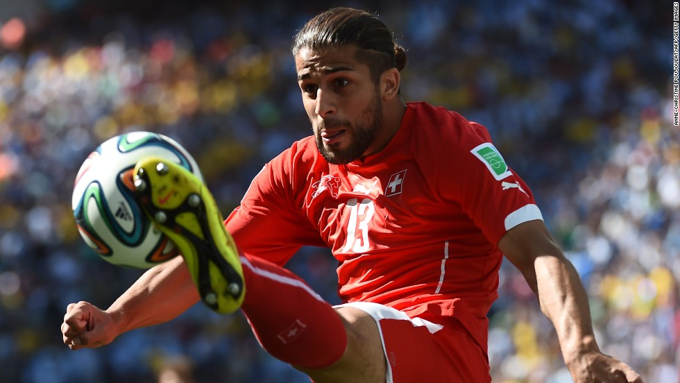 Swiss defender Ricardo Rodriguez controls the ball.