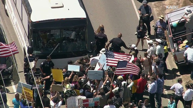 Protesters block undocumented immigrants
