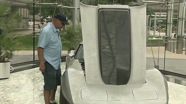 pkg man gets corvette back 33 years_00012402.jpg