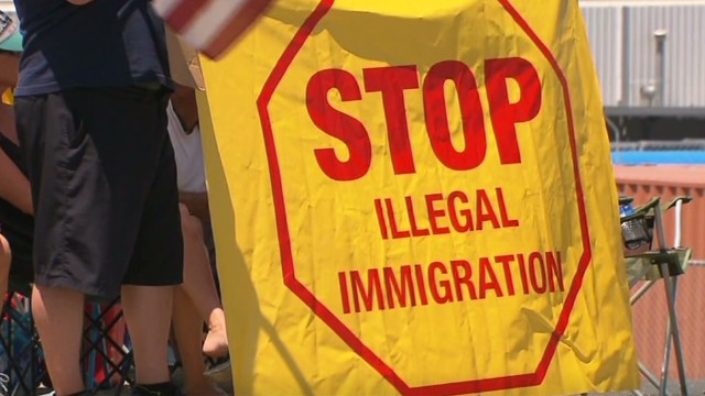 California town blocks immigration buses