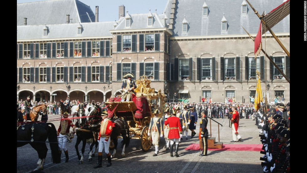 The seat of the Dutch parliament is Het Binnenhof, a complex of buildings with roots that extend to the 13th century.