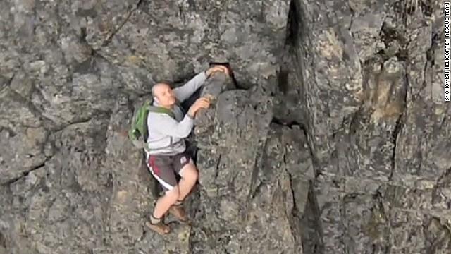 newday romans hiker cliff rescue washington_00002312.jpg