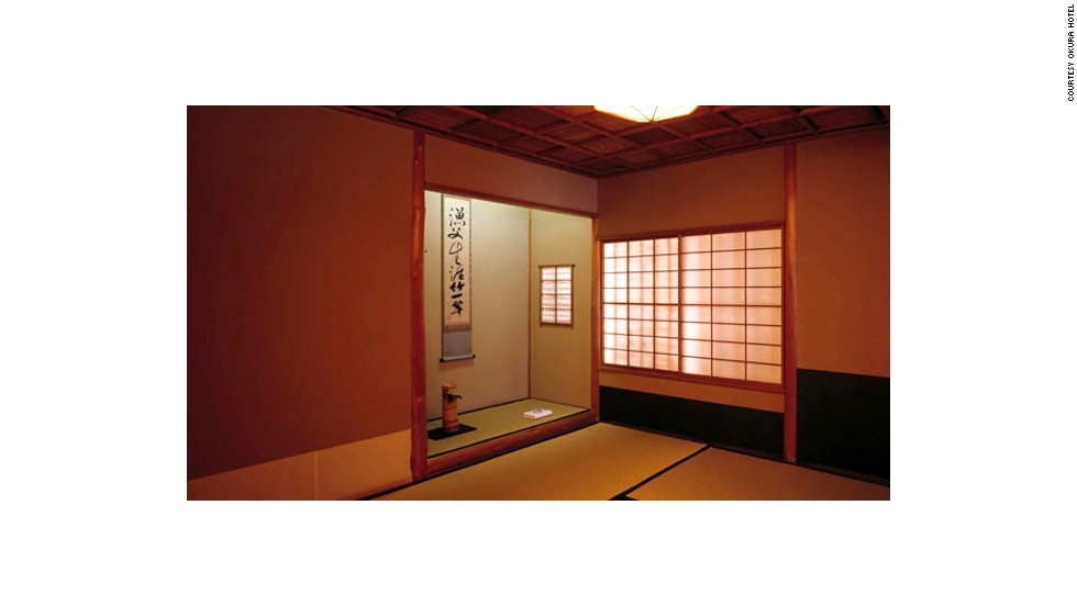 Hotel Okura's tea ceremony room is a model of simplicity and elegance.