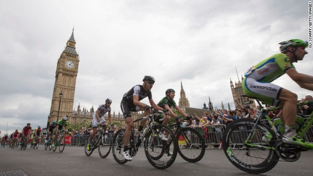 Tour de France rolls through London