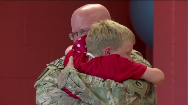 dnt soldier surprises son at camp _00012510.jpg