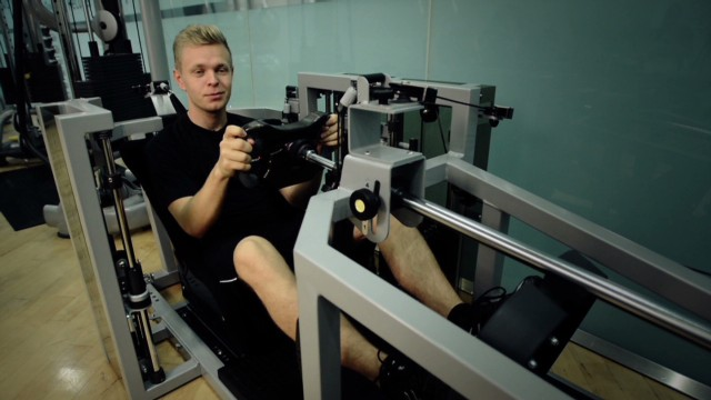 Work-out with Kevin Magnussen