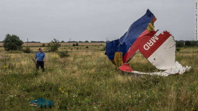 Ukraine: Mines planted near MH17 site