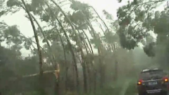 Super Typhoon Rammasun slams China
