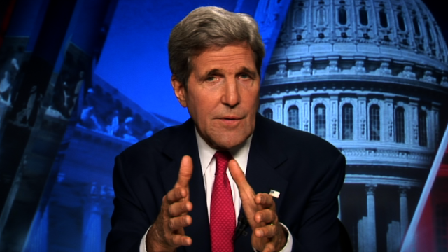 John Kerry comments caught on hot mic