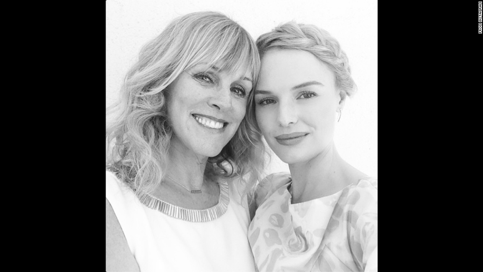 "Actress Kate Bosworth posted <a href=""http://instagram.com/p/qiEL5urcZy/"" target=""_blank"">an Instagram selfie</a> with her ""beautiful mama"" on Wednesday, July 16."