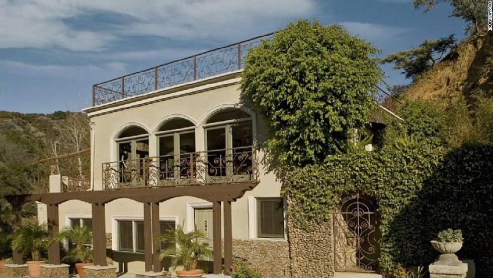 "Harry Houdini: Los Angeles -- <a href=""http://www.travelandleisure.com/articles/celebrity-homes-you-can-rent/12"" target=""_blank"">See More Celebrity Homes You Can Rent  </a>"