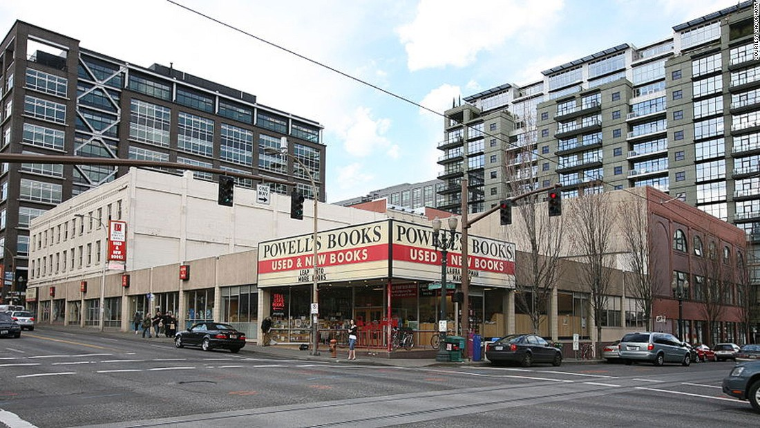 The world's largest used and new bookstore Powell's City of Books takes up a full city block in Portland, Oregon.